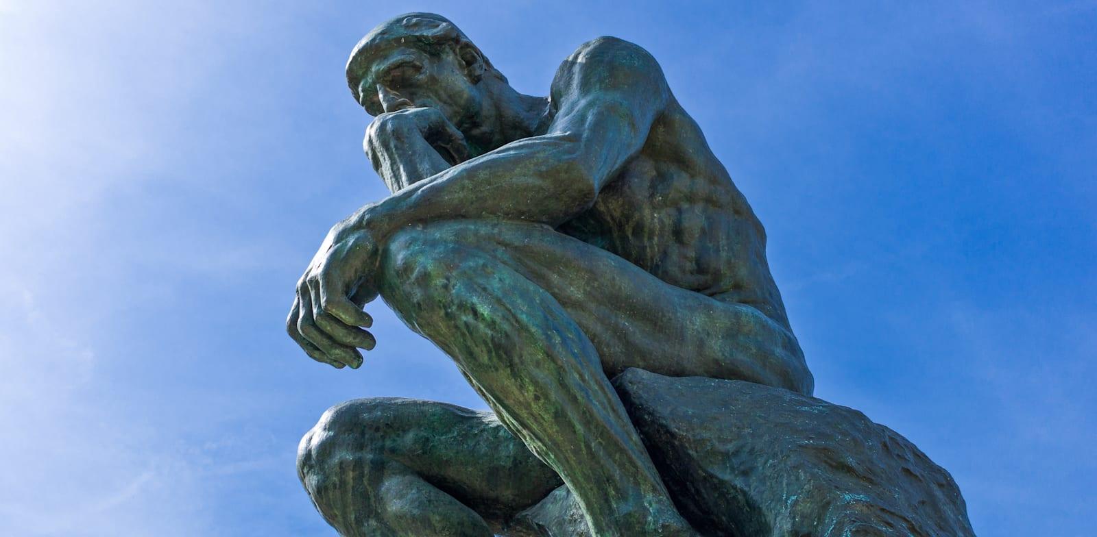 """פסלו המוכר של אוגוסט רודן, """"האדם החושב"""" / צילום: Shutterstock"""