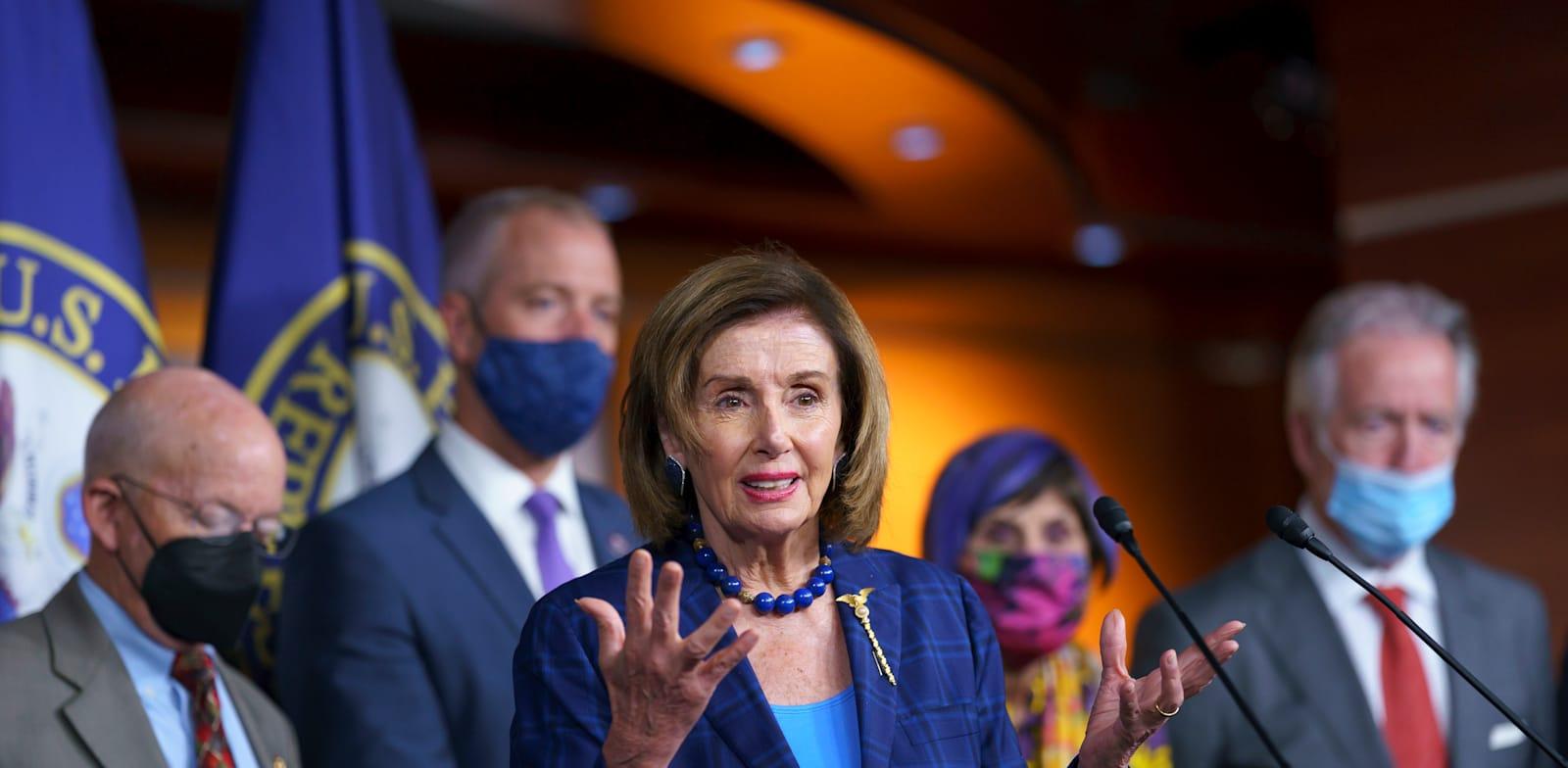 """יו""""ר הבית ננסי פלוסי בסוף השבוע, וושינגטון / צילום: Associated Press, J. Scott Applewhite"""