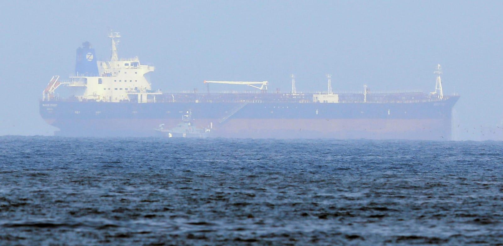 מרסר סטריט, האונייה הותקפה על כוחות איראניים, השבוע לאחר התקיפה / צילום: Reuters, RULA ROUHANA