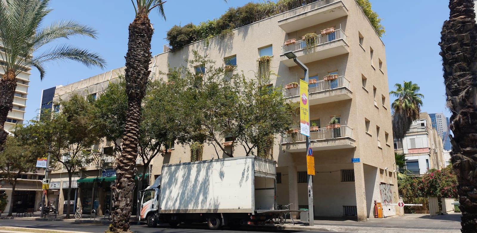 רחוב אבן גבירול בתל אביב. המשקיעים ממקדים את עיקר הרכישות שלהם בערים הגדולות / צילום: איל יצהר