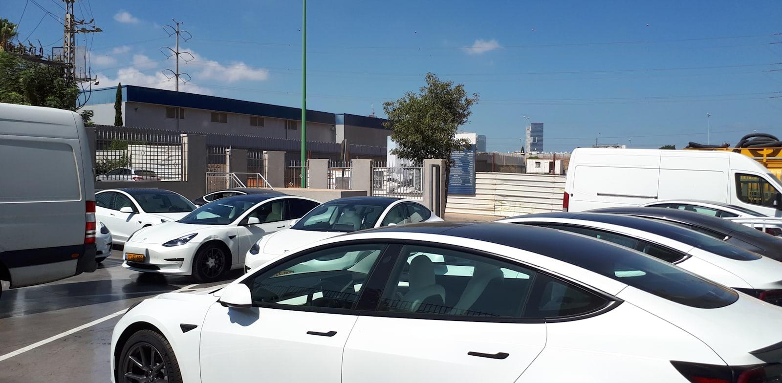 Tesla cars in Petah Tikva Photo: Bar-El
