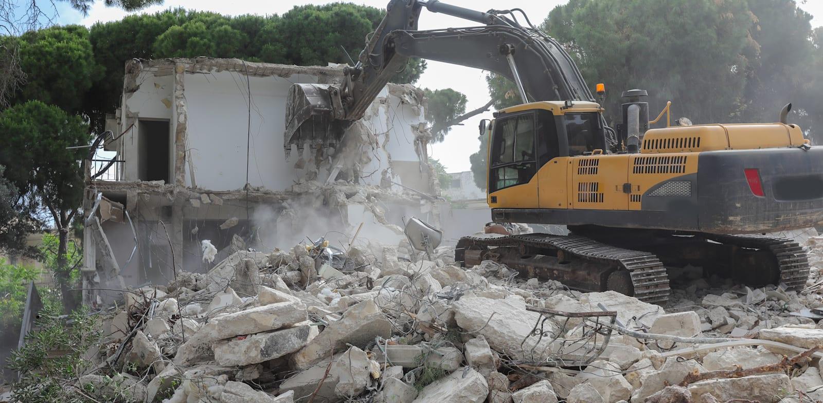 הריסת בניין לצורך הקמה מחדש. מה ייחשב למצב הקודם? / צילום: Shutterstock