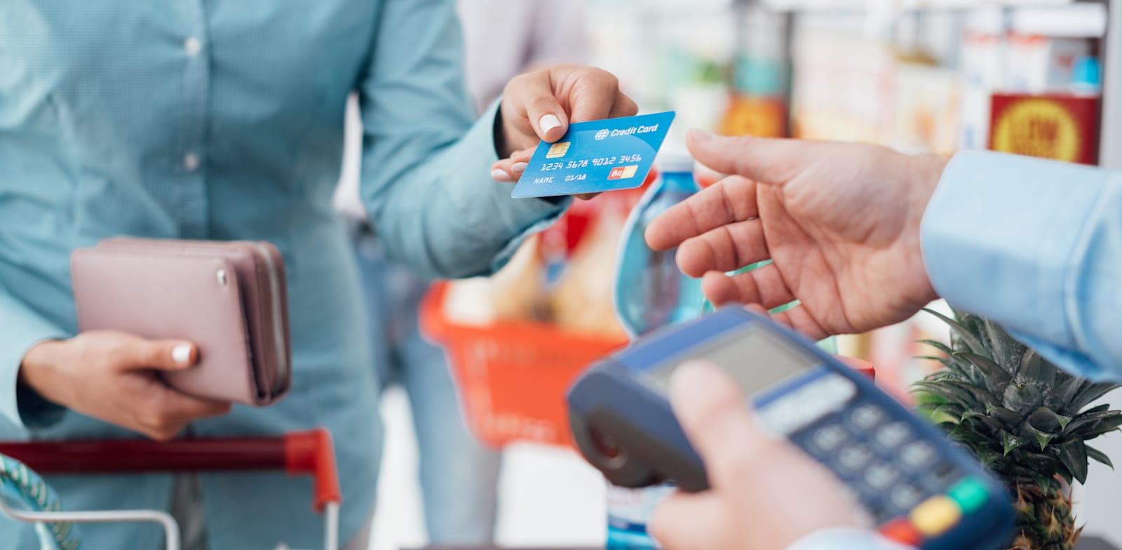 פיימנט מעניקה הלוואות כאמצעי תשלום ללקוחות בבתי עסק שונים / צילום: Shutterstock