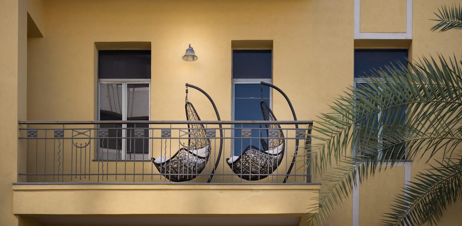 מרפסת בלב תל אביב. מרפסות נפתחו מחדש / צילום: Shutterstock