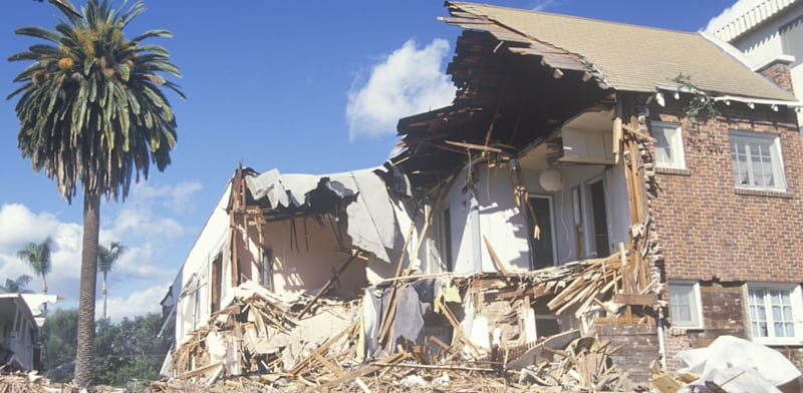 בית שקרס ברעידת אדמה בסנטה מוניקה / צילום: Shutterstock
