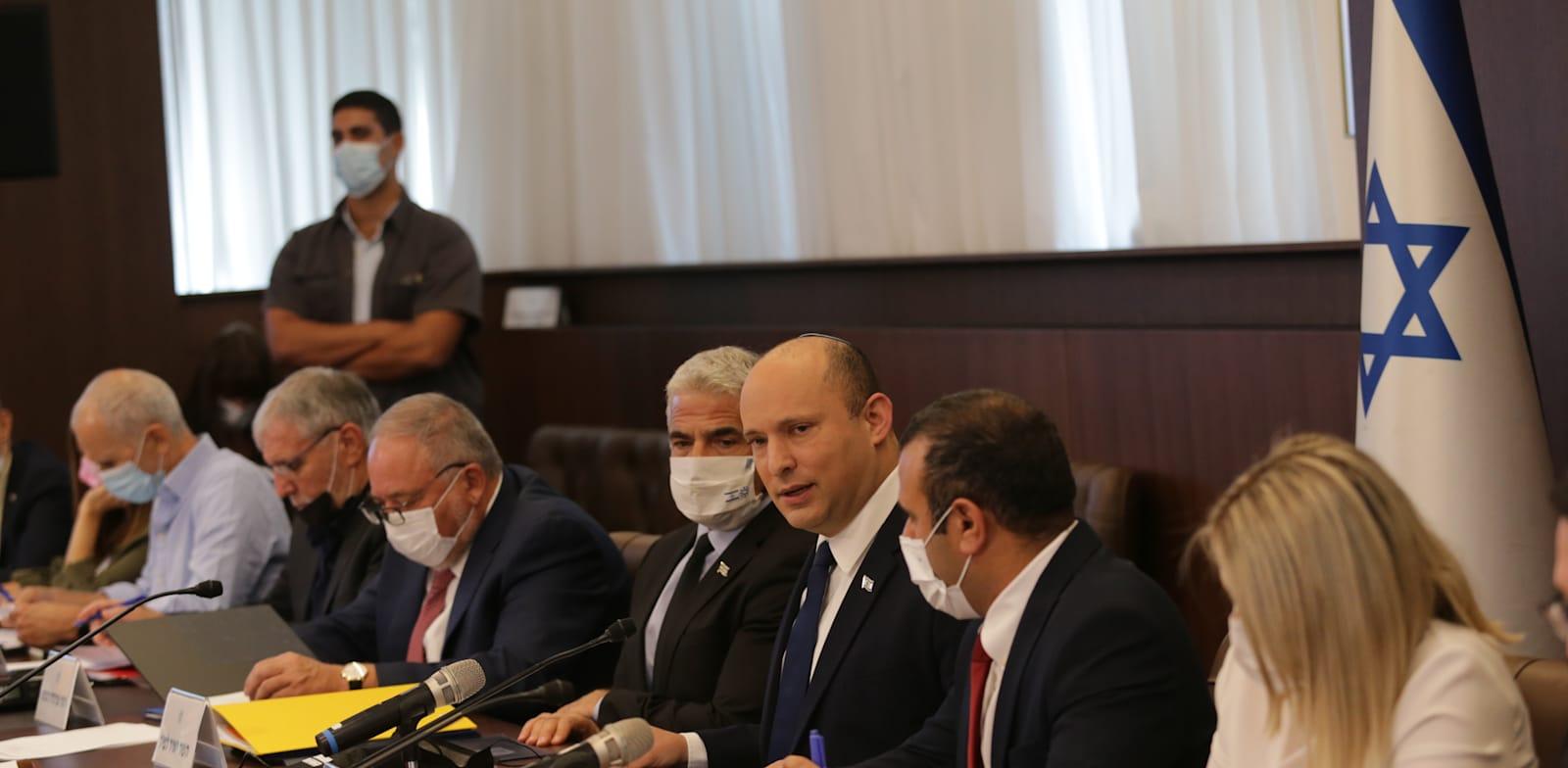 ישיבת ממשלה שבועית בראשות נפתלי בנט / צילום: אלכס קולומויסקי-ידיעות אחרונות