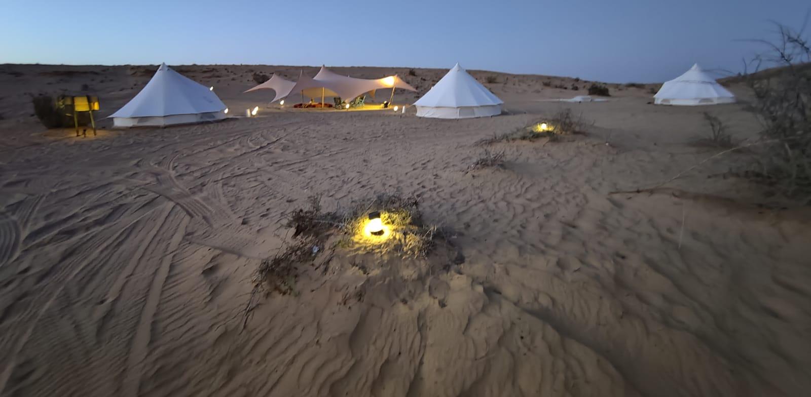 ''הרפתקה במדבר'', מתחם גלאמפינג שמזכיר ספארי באפריקה / צילום: אורלי גנוסר