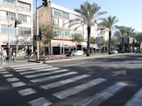 אבן גבירול בתל אביב. מחיר עסקה ממוצע לדירה בעיר חצה את ה־3.5 מיליון שקל / צילום: כדיה לוי