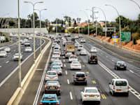 פקקים כביש 2  נתניה / צילום: שלומי יוסף