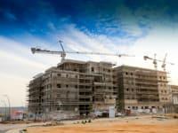 אתר בנייה בראש העין / צילום: שלומי יוסף