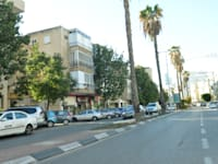 רחוב כצנלסון בגבעתיים / צילום: תמר מצפי
