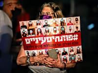 """הפגנת נשים בכיכר רבין ת""""א בעקבות אונס באילת / צילום: שלומי יוסף"""