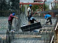 פועלי בניין בעבודה / צילום: תמר מצפי