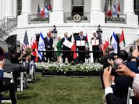 """נתניהו, טראמפ, בן ראשיד ובן זאיד בטקס החתימה על הסכמי אברהם. ספטמבר 2020 / צילום: אבי אוחיון - לע""""מ"""