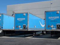 משאיות שילוח של אמאזון / צילום: Shutterstock