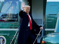 טראמפ יוצא במסוק מהבית הלבן לכיוון ביתו בפלורידה / צילום: Associated Press, Alex Brandon