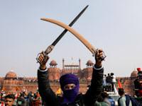 החקלאים צבאו ביום שלישי על המצודה האדומה, שהפכה לאחר קבלת העצמאות לסמל הריבונות הלאומית ההודית / צילום: Reuters