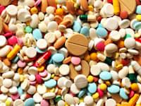 תרופות. חברי ועדת סל התרופות מתמודדים עם דילמות אתיות ומקצועיות קשות / צילום: Shutterstock, Pavel Kubarkov