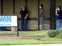 תור ללשכת התעסוקה במיסיסיפי / צילום: Associated Press, Rogelio V. Solis