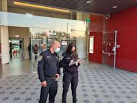 משטרת ישראל מחוץ למקס סטוק באר שבע / צילום: משטרת ישראל