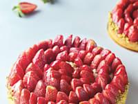 טארט תותים צרפתי קלאסי במזון קייזר / צילום: אפיק גבאי
