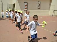 תלמידים חוזרים לבית הספר + חזרה לבית הספר / צילום: תמר מצפי