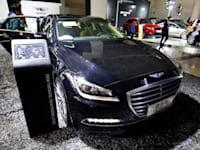 רכב מתוצרת ג'נסיס בתצוגה בסין / צילום: Reuters, Zhang qingmin