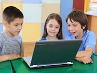 ילדים משתמשים במחשב / צילום: יח''צ