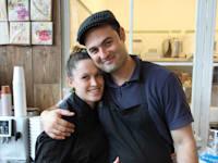 שיאון ליאני ואדוה–ברק ליאני, הבעלים של שתי קונדיטוריות גלידה בפרדס חנה–כרכור ובחיפה