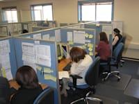 נשים עובדות במרכז טלפוני / צילום: יח''צ