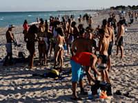 סטודנטים בפלורידה חוגגים בחופשת האביב למרות מגפת הקורונה, בתחילת מרץ / צילום: Reuters, Marco Bello
