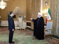 שר החוץ הסיני וונג יי נפגש עם הנשיא האיראני חסן רוחאני בביקור רשמי באיראן / צילום: Associated Press, Iranian Presidency Office