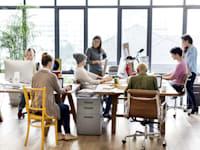 העובדים מתחילים לחזור למשרדים / צילום: Shutterstock, Rawpixel.com