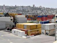 מכולות בנמל חיפה / צילום: פאול אורלייב