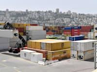 נמל חיפה, עומס מכולות / צילום: פאול אורלייב