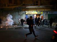 עימותים באזור שער שכם בירושלים / צילום: Associated Press, Mahmoud Illean