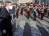 ראש הממשלה מריו דראגי ברומא / צילום: Associated Press, Andrew Medichin