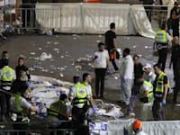 חובשים בזירת האסון בהר מירון / צילום: Reuters, סטרינגר