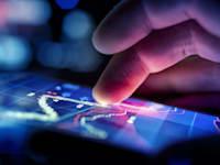 המשקיעים לא נרתעים מהשינויים החדים בשוק / צילום: Shutterstock, solarseven
