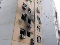 בניין באשקלון שנפגע מפגיעת טיל ששוגר מרצועת עזה / צילום: Reuters