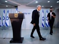 לפיד. מתרחק מראשות הממשלה / צילום: Associated Press, Oded Balilty