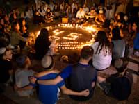 מעגל זיכרון להרוגי האסון בהר מירון / צילום: Associated Press, Oded Balilty