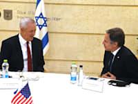 אנתוני בלינקן ובני גנץ / צילום: Matty Stern / U.S. Embassy Jerusalem