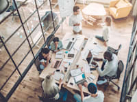 עובד מוחצן, עובד מופנם: איך מנהלים אותם נכון / צילום: Shutterstock, 4 PM production