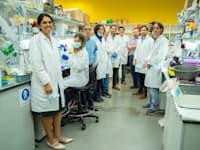 """3.דויד זיגדון מנכ""""ל מכון המחקר מיגל וצוות חוקרי הקורונה / צילום: מכון המחקר מיגל"""