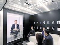 """כריסטוף גריינגר־הר, מנכ""""ל חברת השעונים WSI, מופיע כהולוגרמה / צילום: צילום מסך מתוך סרטון וידיאו של Portl"""