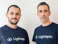 """מייסדי  לייטספין. מימין: אור אזרזר, סמנכל טכנולוגיות; ולדי סנדלר, מנכ""""ל. / צילום: Lihi Binyamini"""