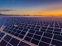 אמזון התחייבה לרכוש חשמל מחמש תחנות כוח סולאריות בספרד / צילום: Shutterstock, abriendomundo