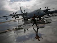 מטוס של צבא הפיליפינים / צילום: Reuters, Damir Sagolj