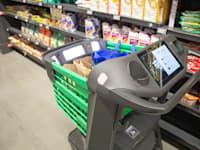 עגלת הקניות החכמה בסופרמרקט פרש של אמזון / צילום: Shutterstock